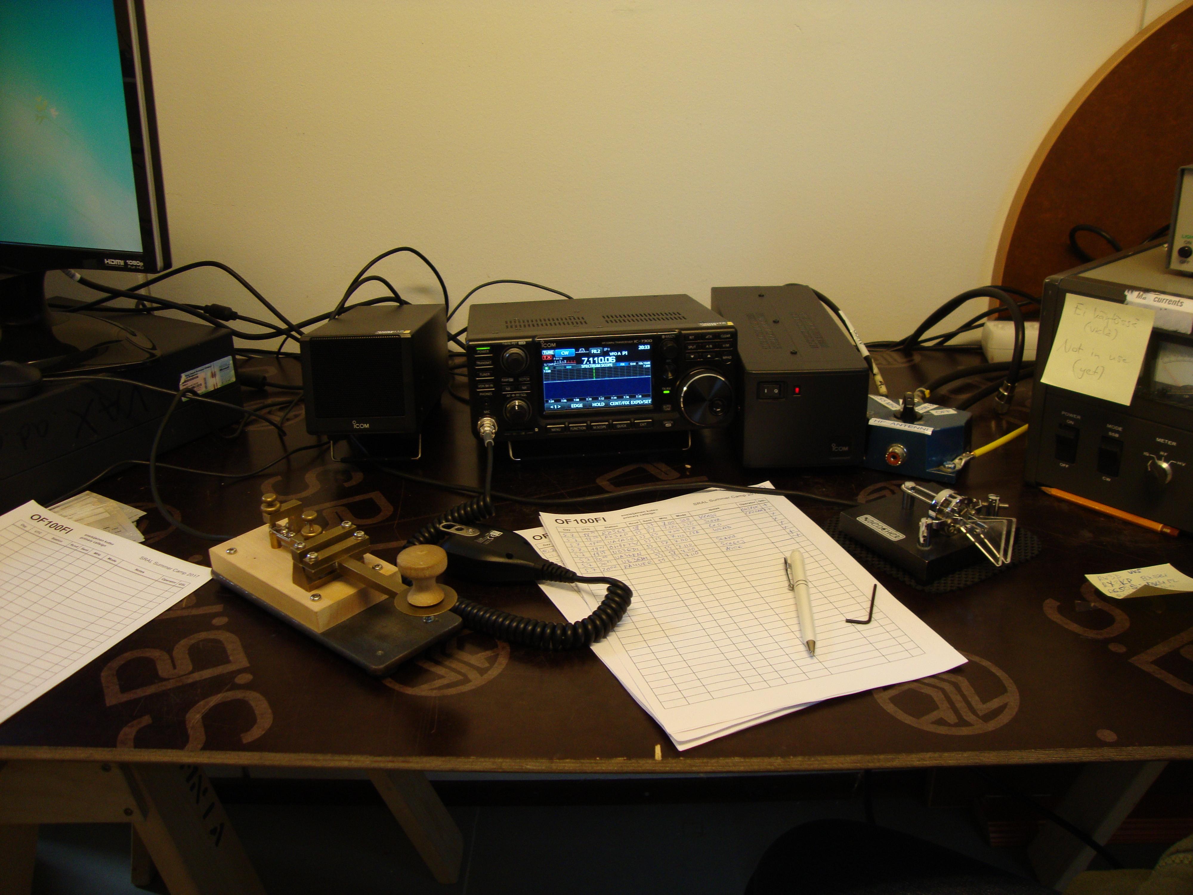 Radio ja sähkötysavaimia.