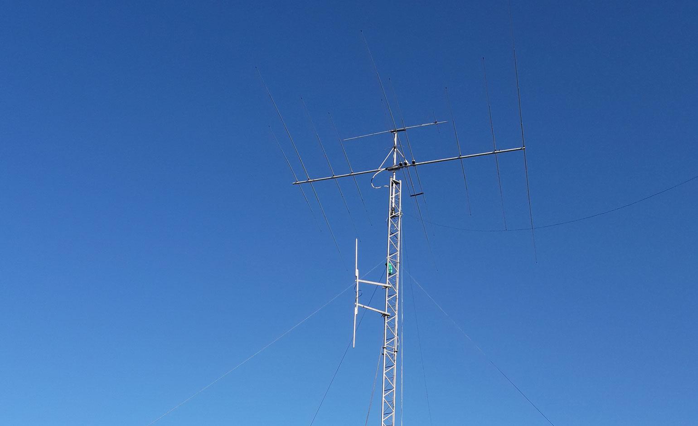 Yagi-antenni mastossa